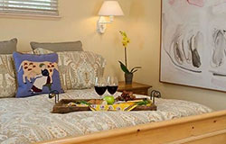 aurora-park-cottages-guestroom-napa-valley-bed-and-breakfast