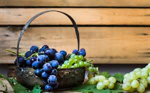grapes-in-basket